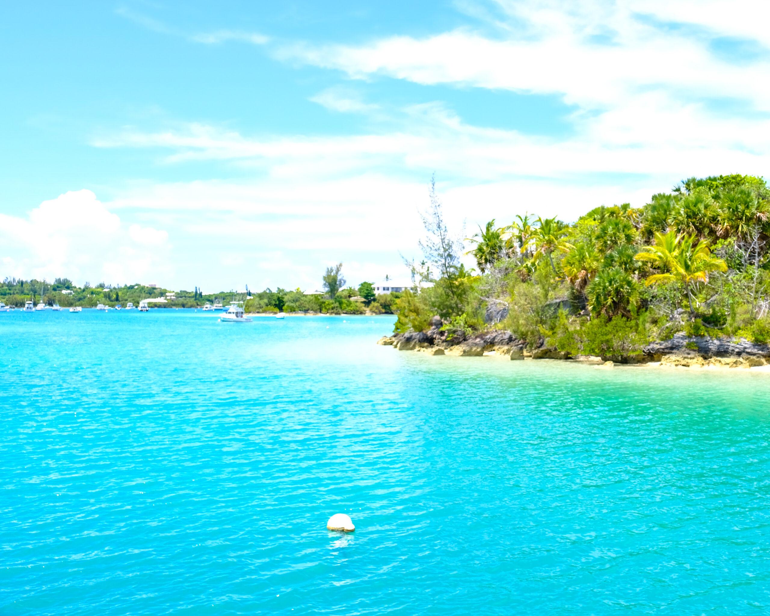 photo of the ocean, Bermuda taken by ashh monster