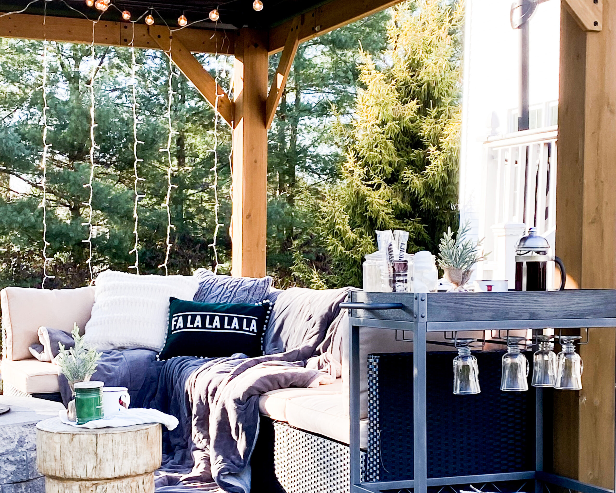 Creating a Cozy Outdoor Gathering Space