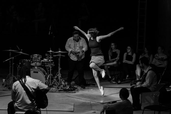 Sesi Rio Preto apresenta o espetáculo 4 por 4 – Escuta essa Dança