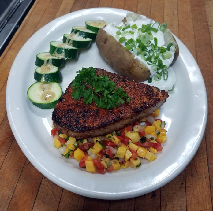 pan seared blackened yellowfin tuna