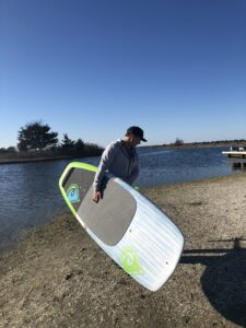 Surf foiling board