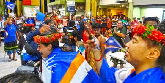 Raucous fans greet Games athletes