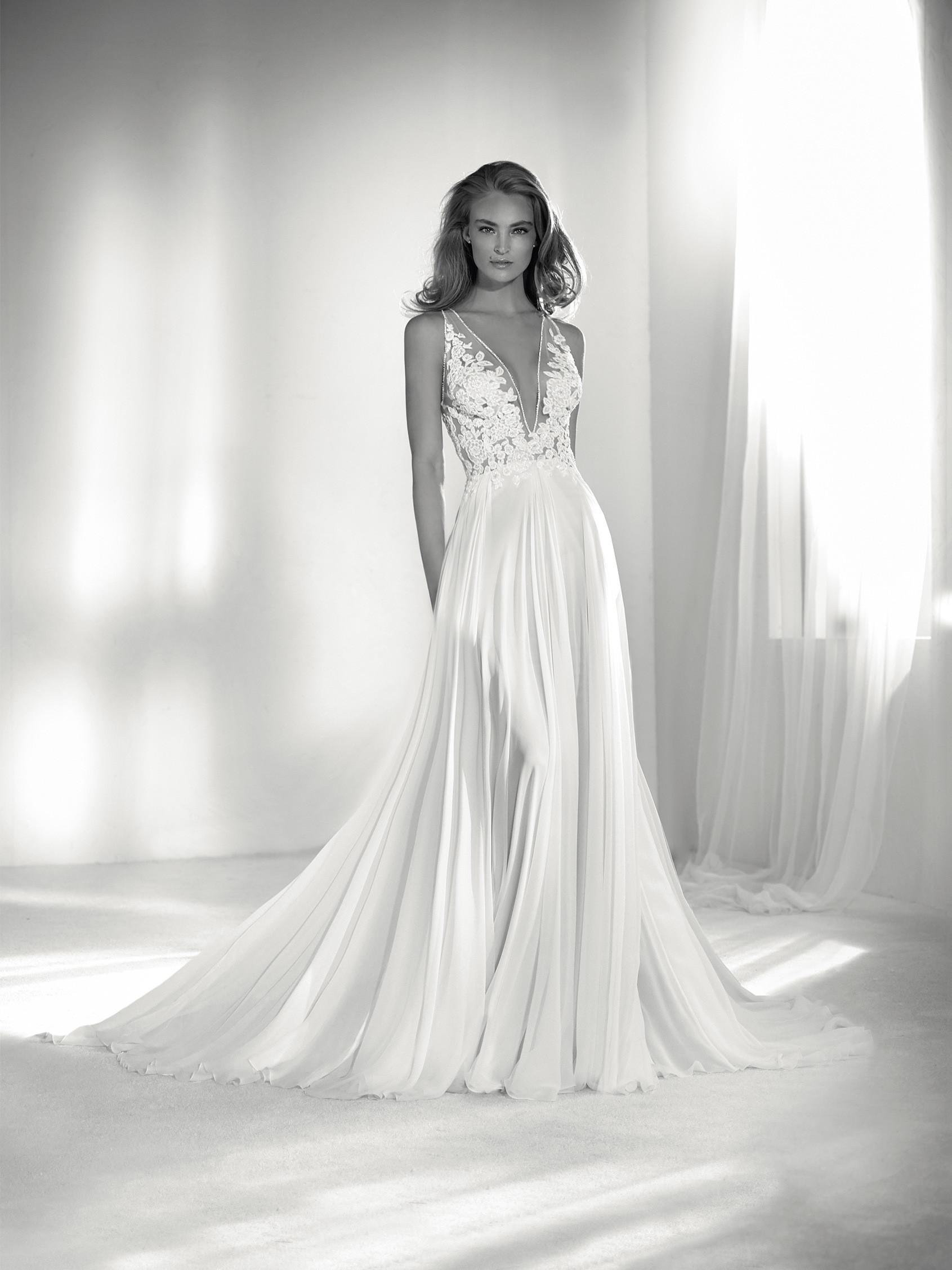 Mira Couture Atelier Pronovias Riada Wedding Gown Bridal Dress Chicago Boutique Front