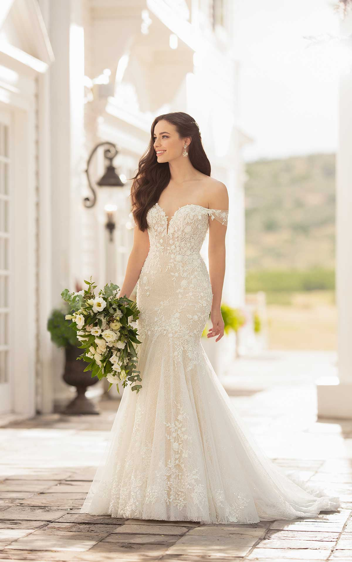 Mira Couture Martina Liana 1057 Wedding Dress Bridal Gown Chicago Boutique Front