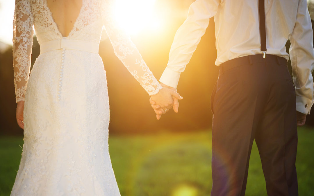 3 Ways to Do Wedding Vows