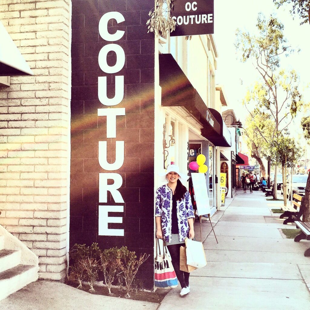 Sign on Balboa Island that reads Couture.
