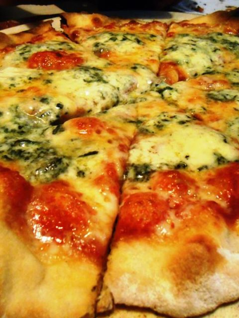 <b>Pizza al Gorgoznola - Pizza ao Gorgonzola</b>