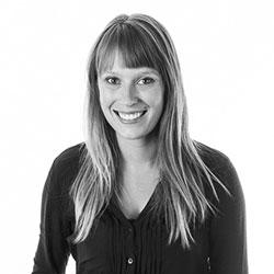 Laura Davis (LaRiviere)  bio picture