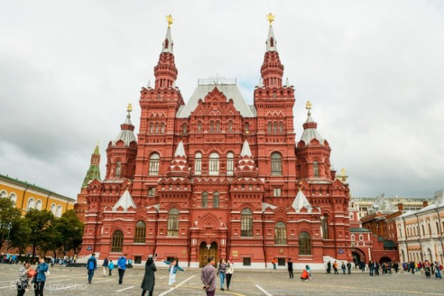 5-landmark-to-go-in-russia_3-3_690x460.jpg