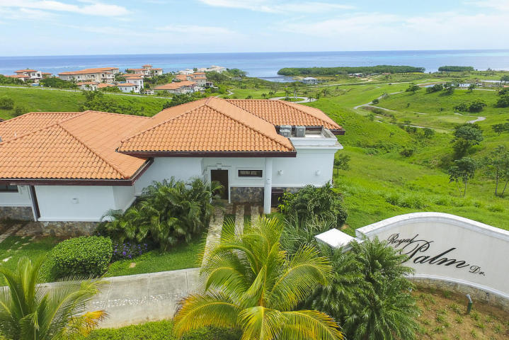 Roatan Real Estate MLS #17-359