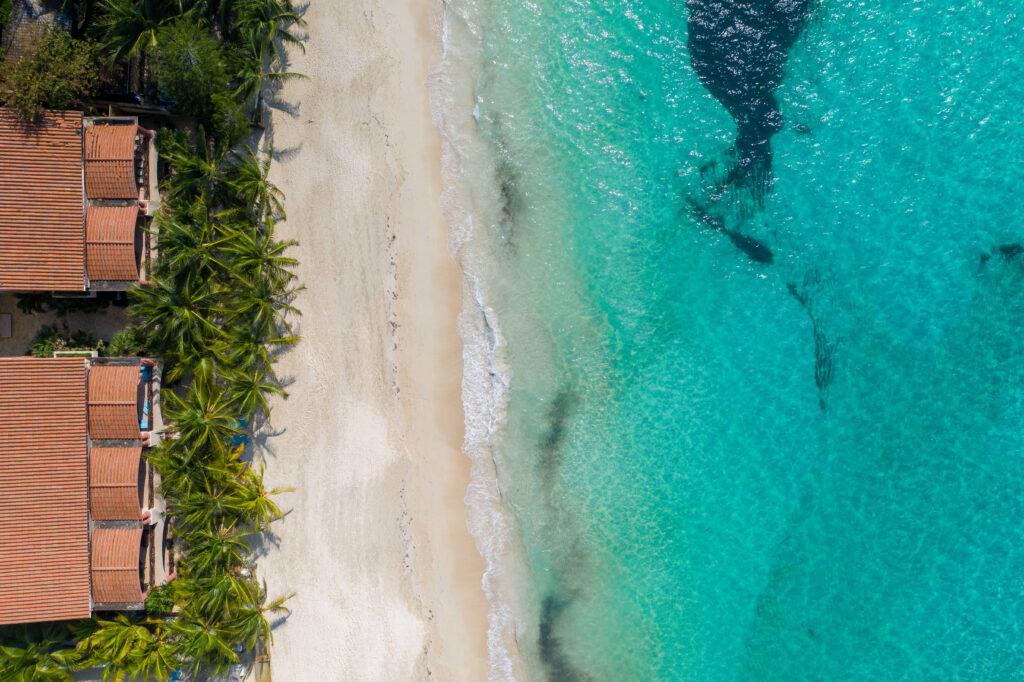 Las Sirenas, beachfront condo for sale