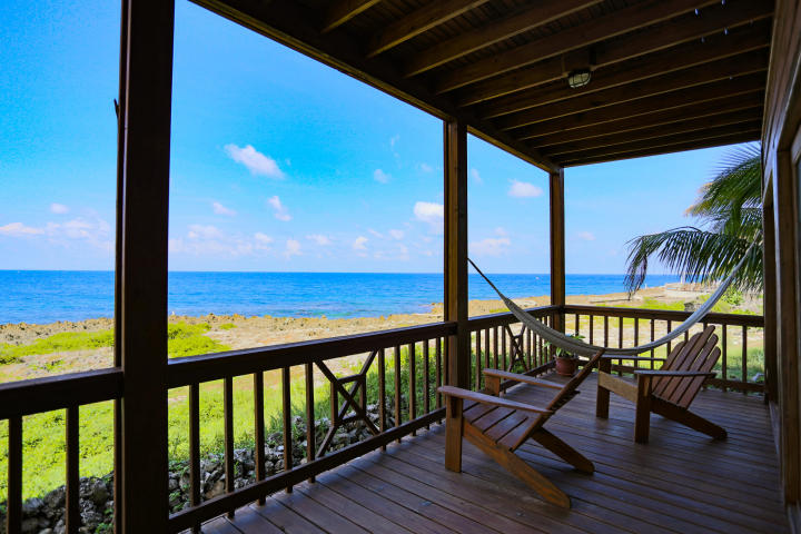 Resort condo for sale Roatan