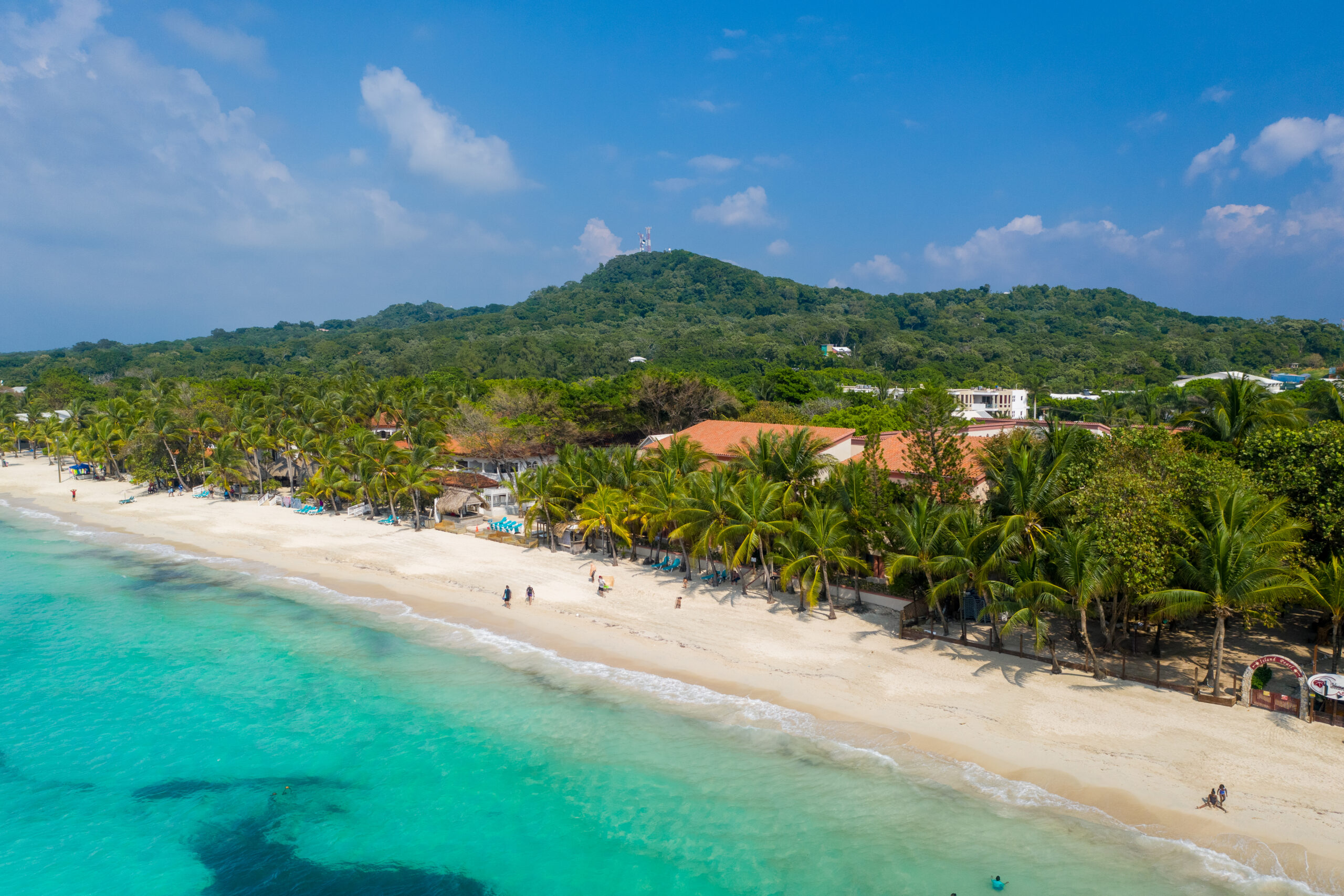 Real estate agent Jorge Chavez can help you find your island dream property on Roatan island in the Caribbean