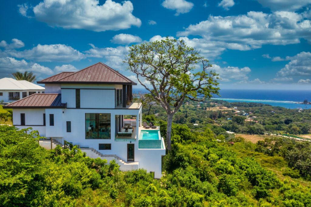 Brand new luxury home in the Caribbean island of Roatan