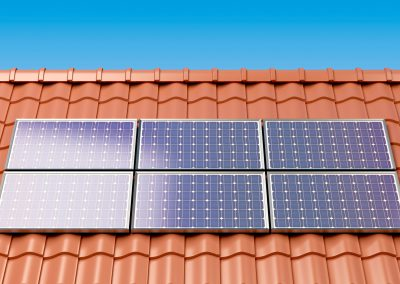 solar-panels-on-the-roof-of-a-house-producing-P6NRS32