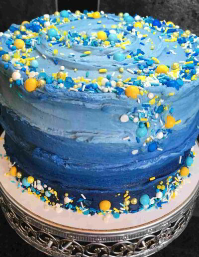 "Large Swirl Blue Ombre 8"" Cake"