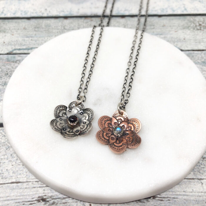 Flower collection, necklaces in copper or silver with gemstones