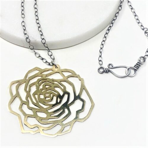 Rose pendant necklace in brass