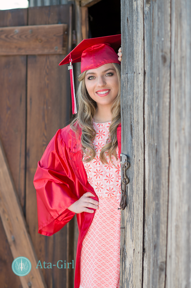 country_cap_and_gown_senior_portrait_session_4S1_7156-Edit