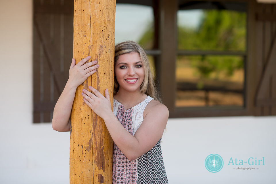 country_cap_and_gown_senior_portrait_session_4S1_7171-Edit