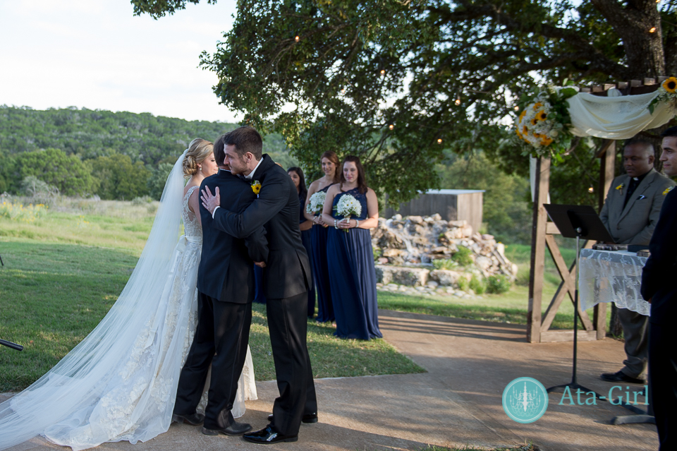 cw-hill-country-ranch-wedding-22
