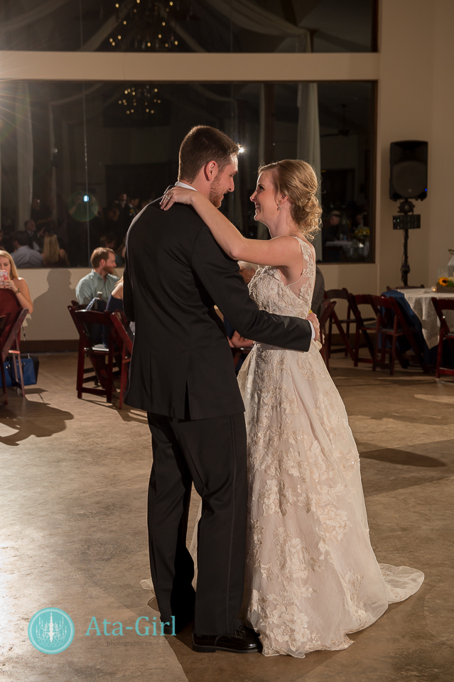 cw-hill-country-ranch-wedding-36