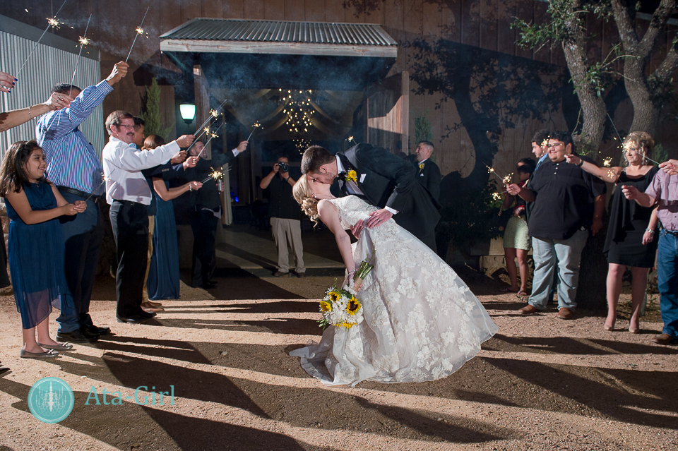 cw-hill-country-ranch-wedding-40