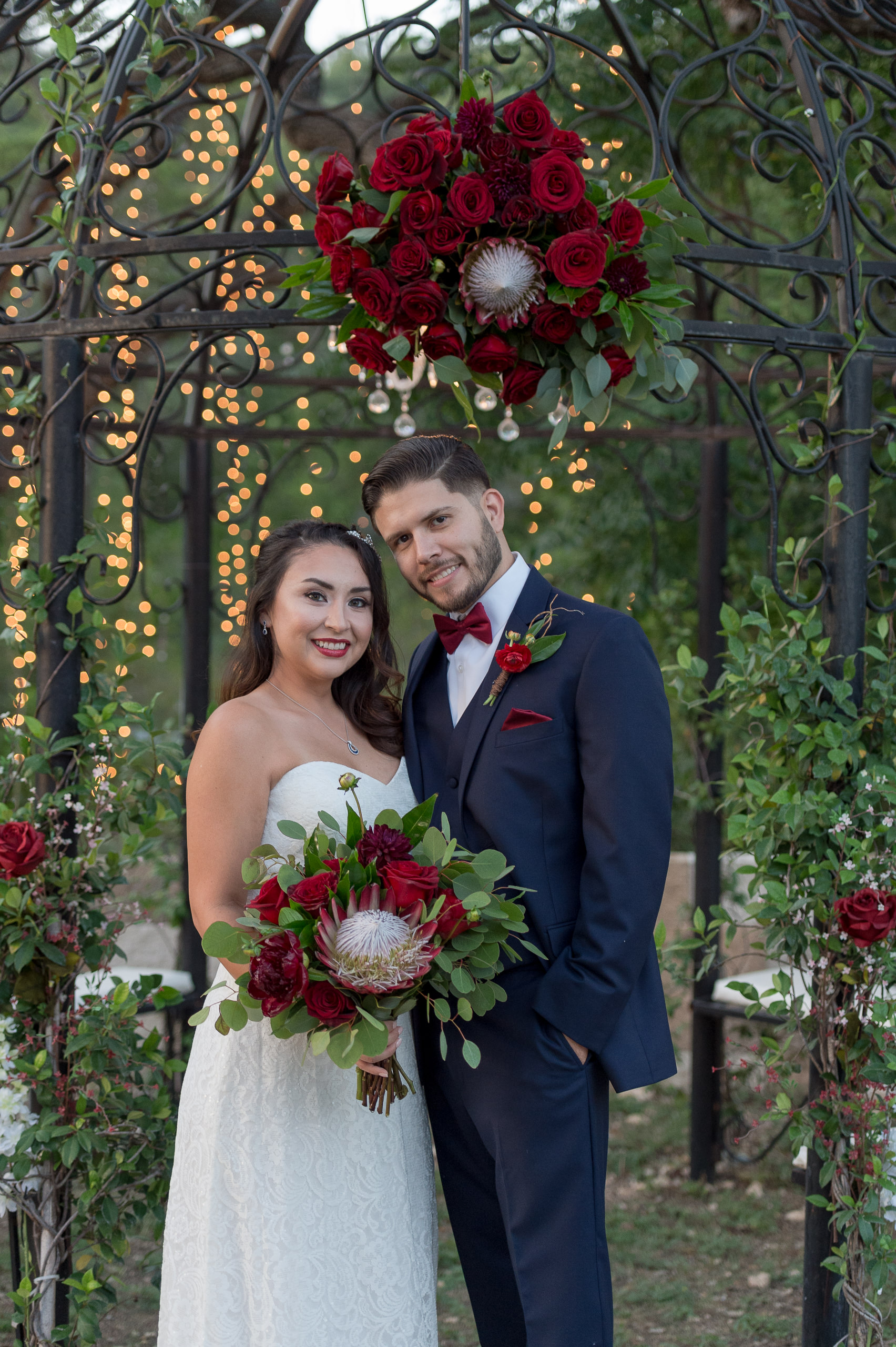 red-white-and-blue-wedding-inspiration-helotes-hill-country-wedding-san-antonio-wedding-photographers-_4S15985