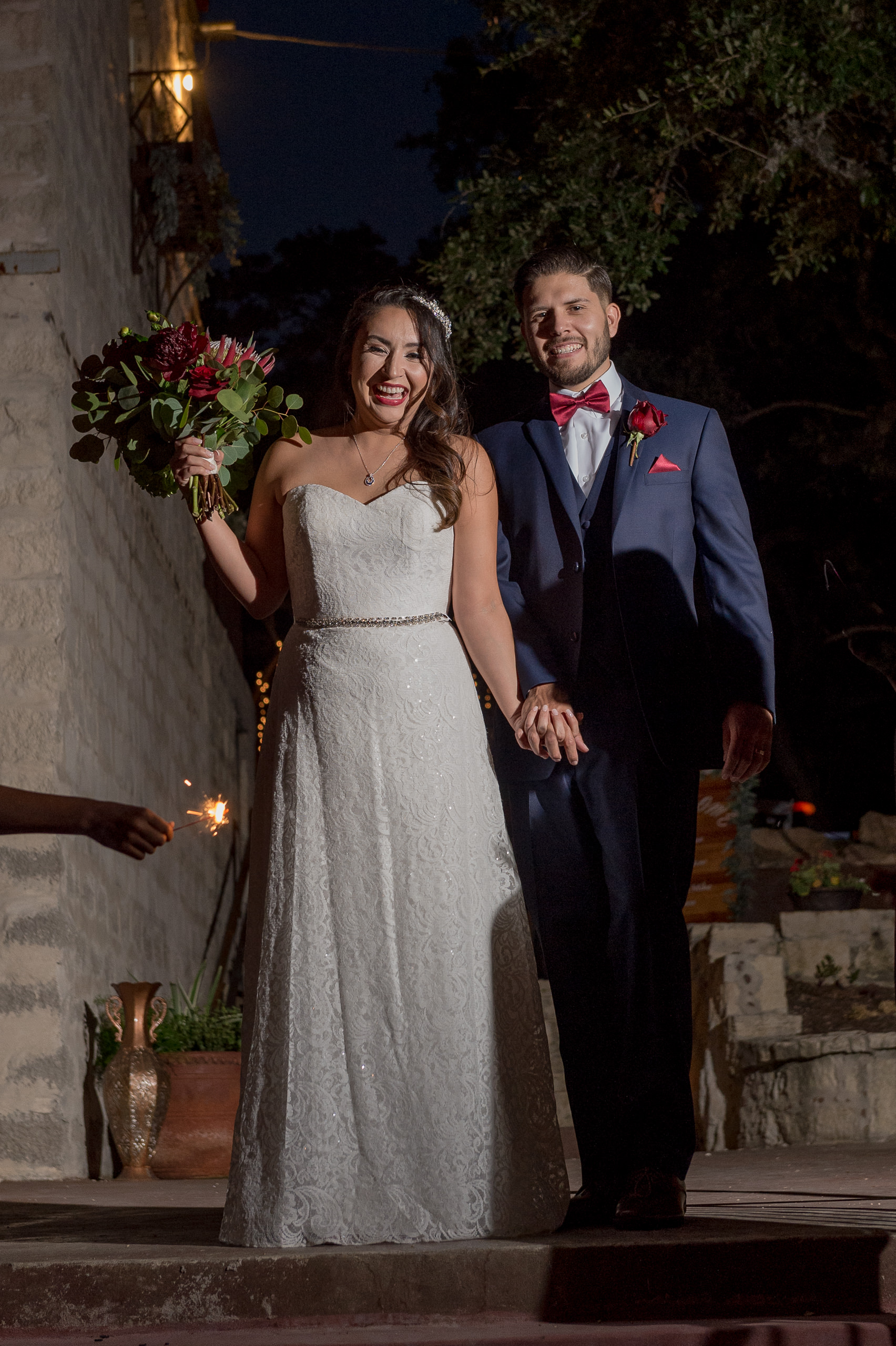 red-white-and-blue-wedding-inspiration-helotes-hill-country-wedding-san-antonio-wedding-photographers-_4S21932