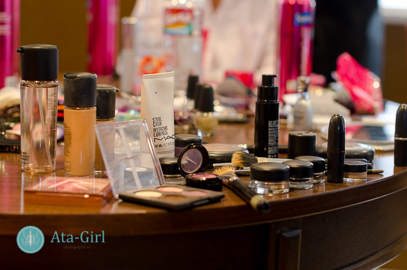 professional_hair_stylist_professional_makeup_artist_atagirl_photographyD72_1665