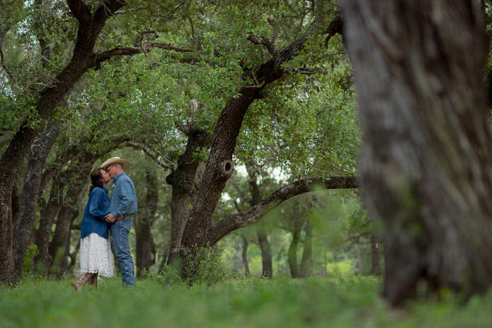 backyard texas wedding san antonio wedding photographers DSC_8553
