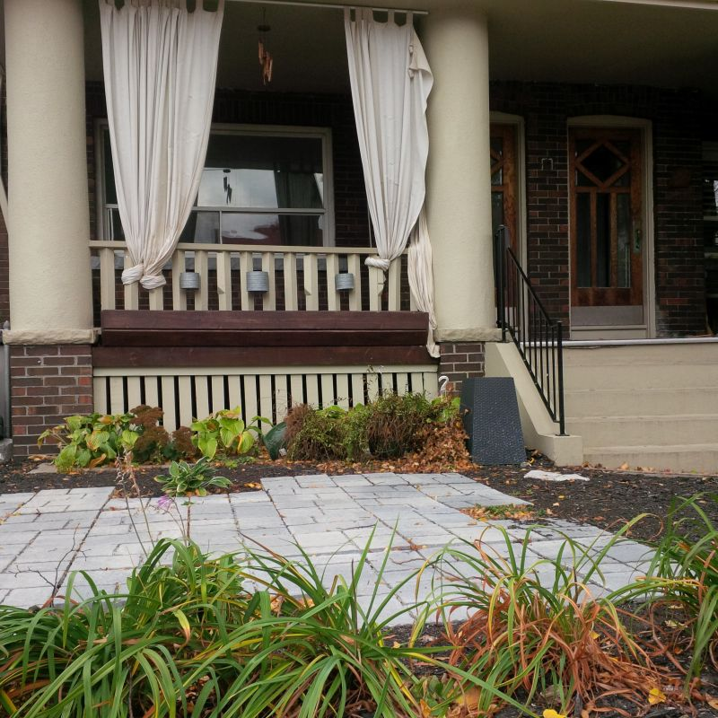 38 Hammersmith Upper Flr – The Beaches 2+1 Bed, 1 Bath Avail Aug 1/19 $2,800 – Leased