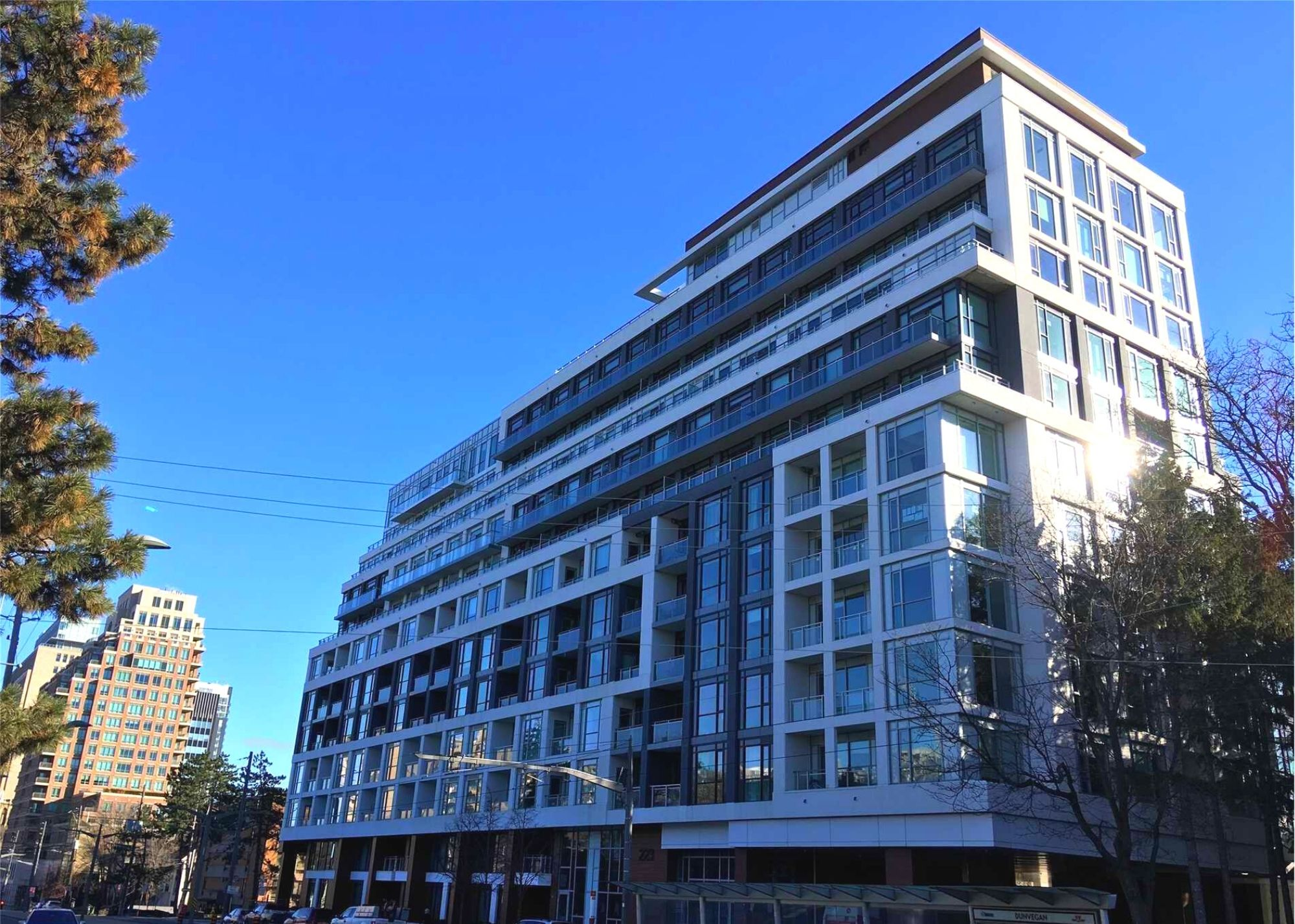 223 St Clair Ave 2 Bedrooms Penthouse With Large Balcony $2,350