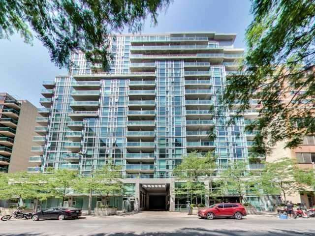 96 St Patrick 1 Bedroom + Den With Locker And Parking $1,950