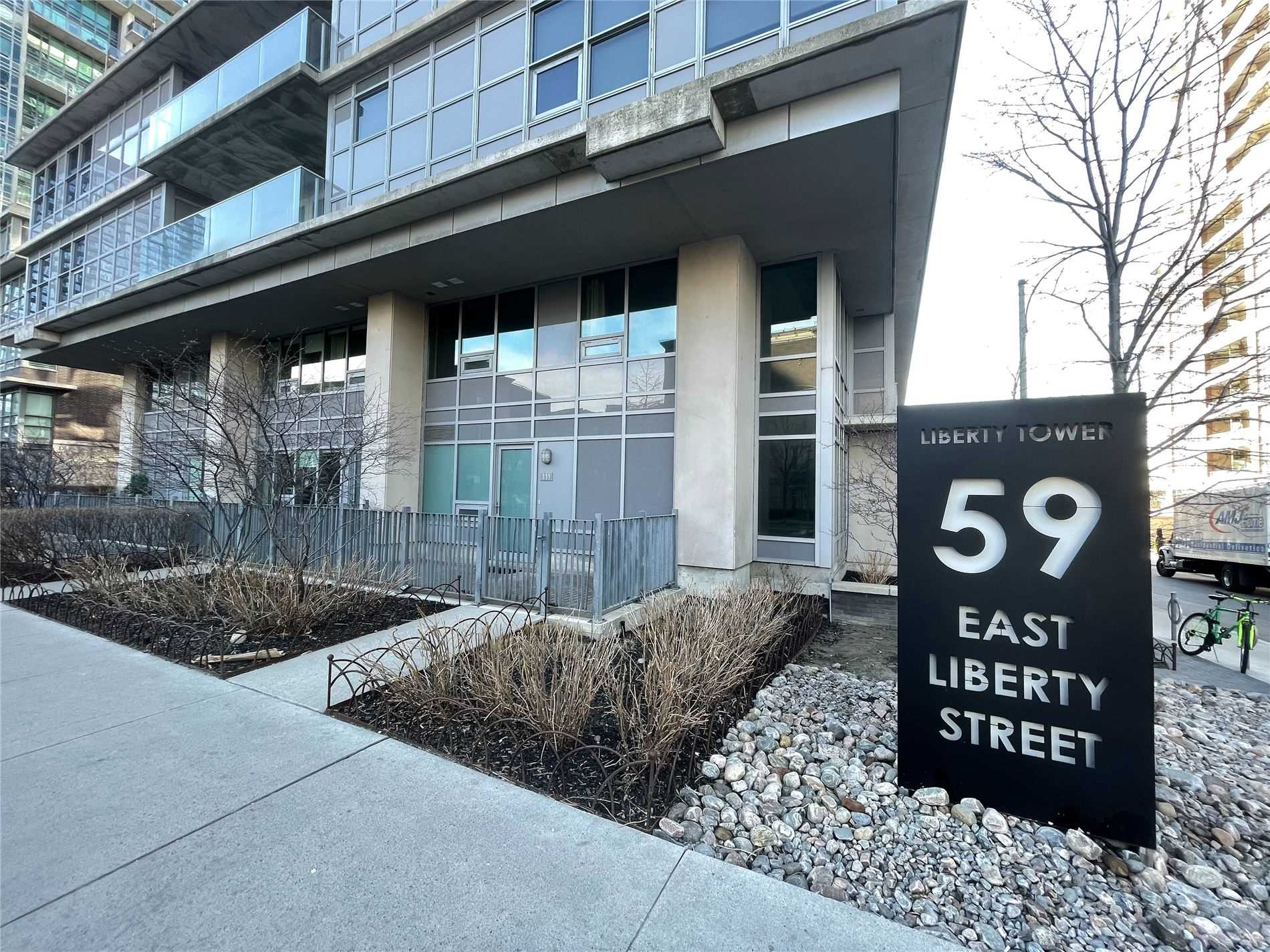 59 East Liberty St Two Storey Loft With High Ceilings $1,950