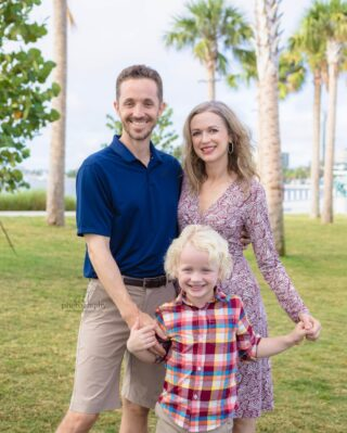 Doing the happy dance when we get those happy natural smiles with the little ones. If you only knew the craziness we do to get those smiles! We love what we do and do all we can to do those smiles.⠀⠀⠀⠀⠀⠀⠀⠀⠀ .⠀⠀⠀⠀⠀⠀⠀⠀⠀ .⠀⠀⠀⠀⠀⠀⠀⠀⠀ .⠀⠀⠀⠀⠀⠀⠀⠀⠀ .⠀⠀⠀⠀⠀⠀⠀⠀⠀ #stpetefamilyphotos#vacationphotographer #stpetebeachphotographer #treasureislandphotographer #madeirabeachphotographer #stpetefamilyphotographer #stpetebeach #stpeteminisession #gulfportfamilyphotographer #southpasadenaphotographer #pycc #dunedinfamilyphotographer #stpetebeachfamilyphotographer #passagrillephotographer #PAG #ilovestpete #stpetelifestyle #beachphotographer #ilovepag #tierraverdephotographer #stpetefamily ⠀⠀⠀⠀⠀⠀⠀⠀⠀ #tampafamily #tampafamilyphotographer #southtampaphotographer #southtampafamily⠀⠀⠀⠀⠀⠀⠀⠀⠀ #tampaphotographer #downtownstpete #stpetepier
