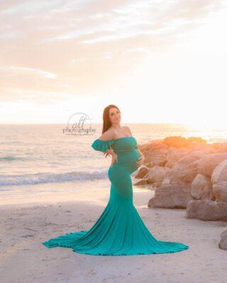 Beautiful momma ✔️ teal pop of color ✔️ golden rocks ✔️ sun flare ✔️✔️💕 😍 ⠀⠀⠀⠀⠀⠀⠀⠀⠀ . . . . #pregnany #momma #momandbaby #pregnanyannoucement #genderreveal #stpetebeachmaternityphotographer #stpetebeachmaternity #treasureislandmaternityphotographer #treasureislandmaternity #beachmaternity #beachmomma #maderiabeachmaternity #madeirabeachmaternityphotographer #clearwaterbeachmaternity #passagrillematernityphotographer #stpetebeachmaternity #stpetebeach #southtampamaternity #tampabayphotographer #floridabeachsession
