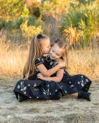 sisters <3⠀⠀⠀⠀⠀⠀⠀⠀⠀ .⠀⠀⠀⠀⠀⠀⠀⠀⠀ .⠀⠀⠀⠀⠀⠀⠀⠀⠀ .⠀⠀⠀⠀⠀⠀⠀⠀⠀ .⠀⠀⠀⠀⠀⠀⠀⠀⠀ #sisters #familylove #oldsmarphotographer #safetyharborfamily #tarponspringsphotography #gulfportfamilyphotographer #southpasadenaphotographer #pycc #dunedinfamilyphotographer #dunedinphotographer #floridaphotographer #stpetefamilyphotos#vacationphotographer #stpetebeachphotographer #treasureislandphotographer #madeirabeachphotographer #stpetebeachfamilyphotographer #passagrillefamily #stpetelifestyle #beachphotographer #tierraverdephotographer #stpetefamily #stpetefamilyphotographer #stpetebeach #stpeteminisession #gulfportphotographer #southpasadenaphotographer #pycc #dunedinfamilyphotographer #dunedinphotographer