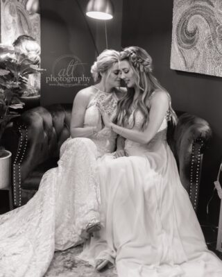 The private in between moments. Take time for just the two of you throughout the day. ⠀⠀⠀⠀⠀⠀⠀⠀⠀ .⠀⠀⠀⠀⠀⠀⠀⠀⠀ .⠀⠀⠀⠀⠀⠀⠀⠀⠀ .⠀⠀⠀⠀⠀⠀⠀⠀⠀ .⠀⠀⠀⠀⠀⠀⠀⠀⠀ #mrsandmrs #dancingwithher #dancingwiththem #lgbt #lgbtq #lgbtqlove #twobridesonewedding #twobrides #weddingswithpride #floridagayweddings #isaidyesfl #lgbtqwedding #elopestpete #floridaintimatewedding #dunedinweddingphotographer #floridaphotographer #elopetreasureisland #tampaweddingphotographer #longboatkeywedding #longboatkeyweddingphotographer #elopeinflorida #intimateweddingphotographer #oahuelopement #hawaiiweddingphotographer #elopemaui #intimatewedding #hotspringsweddingphotographer #neworleansphotographer #danapointweddingphotographer