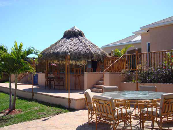 Bills-CustomTiki-Hut-01