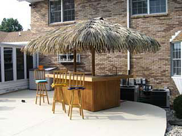 crammonds-thatch-tiki-bar