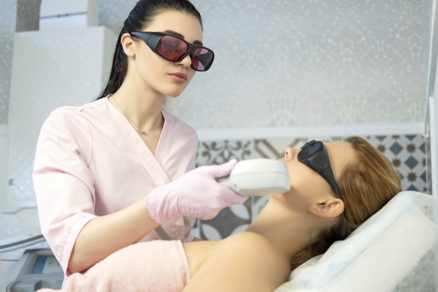 How To Find The Best Laser Hair Removal Specialist Near You?