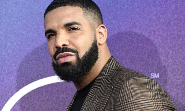 """Drake Set To Executive Produce Selena Gomez """"Spiral"""" Thriller"""
