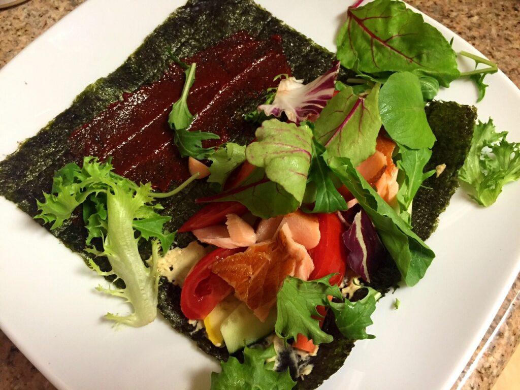 Paleo Smoked Salmon veggie Roll