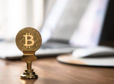 bitcoin hits a new high