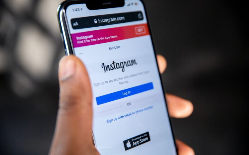 Ios notifications to Instagram users