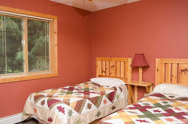 cabin-10-bedroom-2