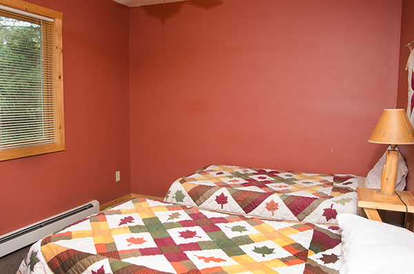 cabin-10-bedroom-4