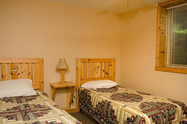 cabin-11-bedroom-2