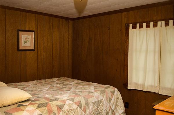 cabin-14-bedroom-2